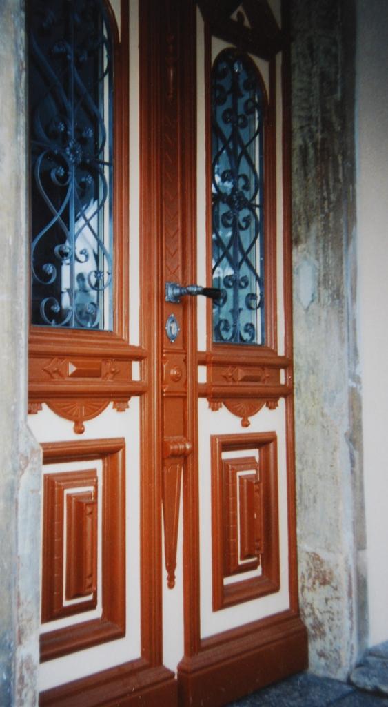 Fenster Turen Tischlerei Mit Holz Bauen Sanieren