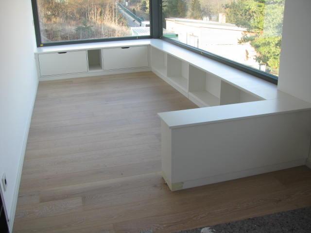 regal zum sitzen bestseller shop f r m bel und einrichtungen. Black Bedroom Furniture Sets. Home Design Ideas